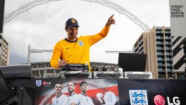 ENGLAND LEGEND DAVID JAMES HOSTS EXCLUSIVE DJ SET WITH LG AT WEMBLEY
