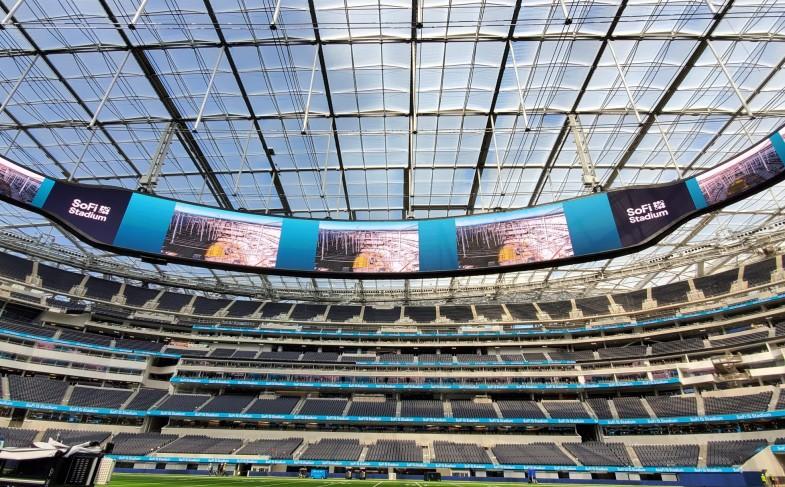 Stadium-Infinity-Screen_Bottom-View
